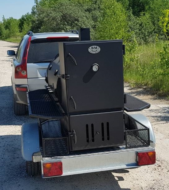 """BM -1Lite""  reverse flow smoker mounted on trailer chassis (New)"